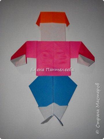 Предлагаю сделать аппликацию из фигурок оригами, гармонистов, с элементами рисования. фото 47