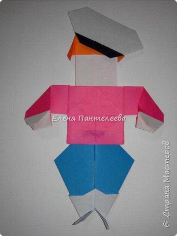Предлагаю сделать аппликацию из фигурок оригами, гармонистов, с элементами рисования. фото 57