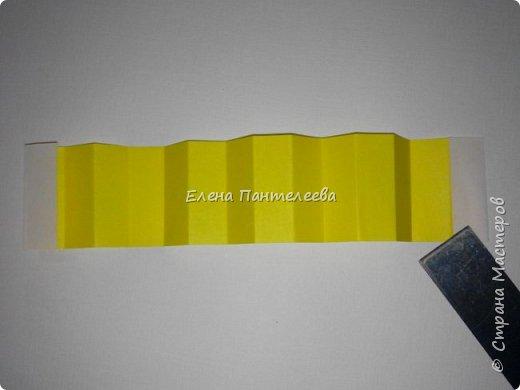 Предлагаю сделать аппликацию из фигурок оригами, гармонистов, с элементами рисования. фото 63