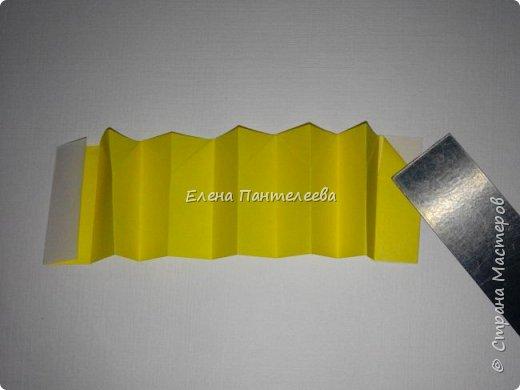 Предлагаю сделать аппликацию из фигурок оригами, гармонистов, с элементами рисования. фото 65