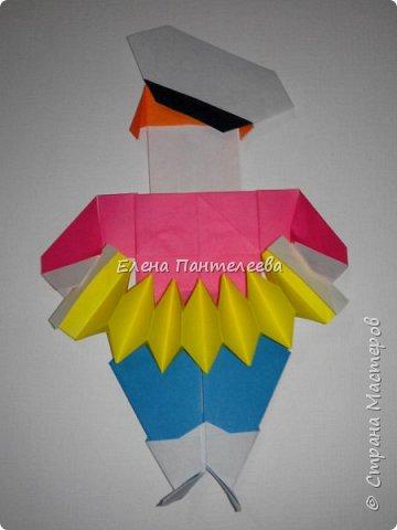 Предлагаю сделать аппликацию из фигурок оригами, гармонистов, с элементами рисования. фото 68