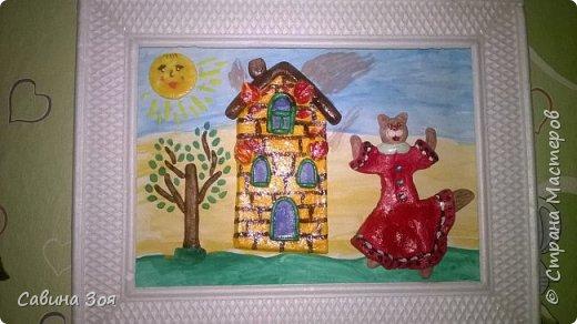 Картина создавалась для школьного конкурса. Уголок рамы сверху ребёнок сломал в портфеле, когда нёс поделку в школу. фото 6