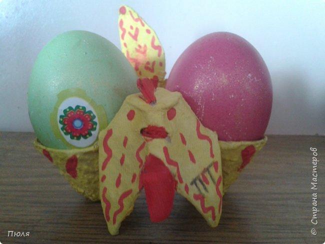 Дорогие друзья, поздравляю Вас со Светлым Праздником! Мира, Добра и Любви всем! Сделала подарки для близких, нашила универсальных салфеток.  Ваза - салфетка  предназначается для Пасхи. В центр можно положить Пасху, а в карманы пасхальные яйца. Так же может служить как ваза для конфет и фруктов, как салфетка и как подставка под горячее, вот ссылка на МК:  http://stranamasterov.ru/node/870474?c=favorite_c   Очень мне в магазине понравилась вот эта клеенка, в живую она смотрится очень нежно, из нее у меня получилось 10 штук.  фото 14