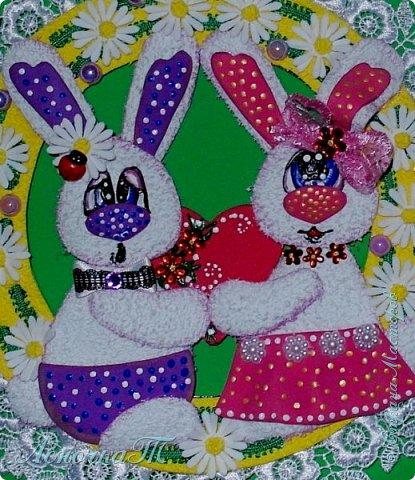 """Этих  милых  заек  я сделала по МК  Ольги Зайцевой. Только Оля показывала работу с пасхальными   мотивами, а мне  захотелось сердечных отношений! И  использовала я в своей работе   фоамиран """"Плюш"""".  фото 2"""