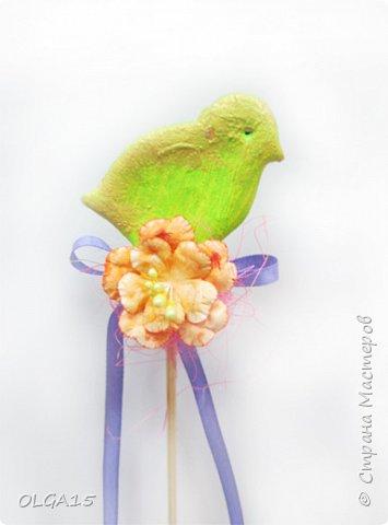 Дорогие друзья, поздравляю Вас со Светлым Праздником! Мира, Добра и Любви всем! Сделала украшения для пасхального стола. Зайчики и цыплята слеплены из соленого теста при помощи формочек для теста. фото 20