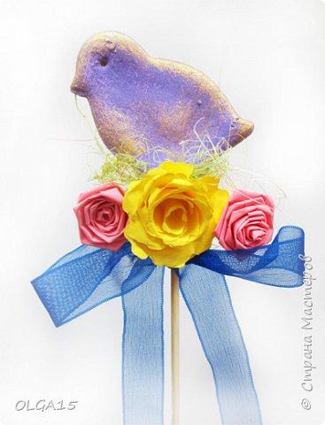 Дорогие друзья, поздравляю Вас со Светлым Праздником! Мира, Добра и Любви всем! Сделала украшения для пасхального стола. Зайчики и цыплята слеплены из соленого теста при помощи формочек для теста. фото 22