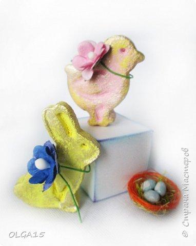 Дорогие друзья, поздравляю Вас со Светлым Праздником! Мира, Добра и Любви всем! Сделала украшения для пасхального стола. Зайчики и цыплята слеплены из соленого теста при помощи формочек для теста. фото 15