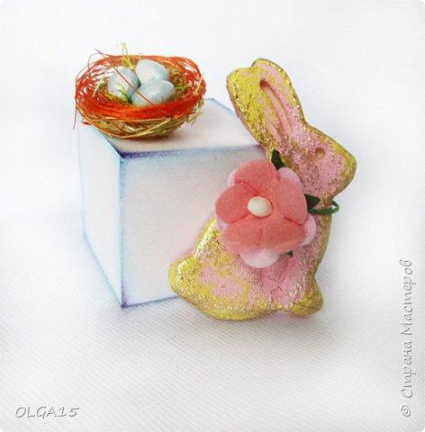 Дорогие друзья, поздравляю Вас со Светлым Праздником! Мира, Добра и Любви всем! Сделала украшения для пасхального стола. Зайчики и цыплята слеплены из соленого теста при помощи формочек для теста. фото 16