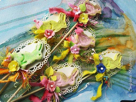 Дорогие друзья, поздравляю Вас со Светлым Праздником! Мира, Добра и Любви всем! Сделала украшения для пасхального стола. Зайчики и цыплята слеплены из соленого теста при помощи формочек для теста. фото 10