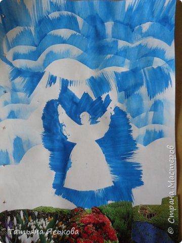 Всем доброе время суток! Посмотрите какие красивые веточки мимозы сделали дети с ОВЗ. Было им не просто скатать комочек из твердой бумаги. фото 4
