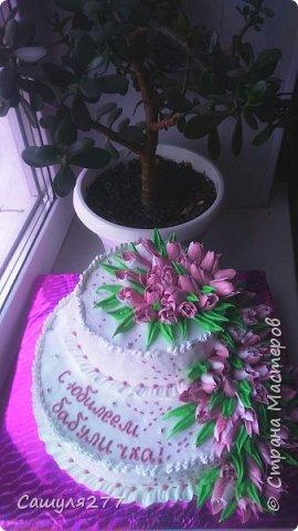 Приветик, Страна!!! Вот я снова к вам со своими тортиками, которые напеклись в апреле. Не так много, все0таки пост дал о себе знать. Но и без работы не сидела. фото 8