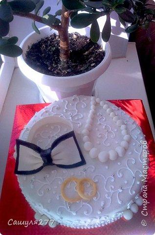 Приветик, Страна!!! Вот я снова к вам со своими тортиками, которые напеклись в апреле. Не так много, все0таки пост дал о себе знать. Но и без работы не сидела. фото 19