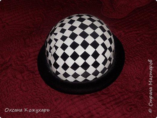 Здравствуйте,хочу поделится превращением обычной шляпки в шляпку шахматной королевы фото 5