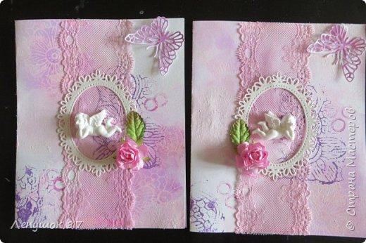 Всем привет! Вот решила сделать небольшой МК . Открытка-(ее слепила из того, что было). 1) Акварельная бумага, 2) акварель 3) куоче старой скатерти 4) губка 5) вырубка(рамка, бабочка), 6) клей 7) кружево 8) цветы бумажные..   фото 17