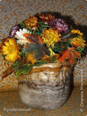 Всем добрый день, кто заглянул ко мне в гости. Выставляю цветочную композицию, которая сделана из сухоцветов. Делала её осенью, поэтому она собрала в себя в все оттенки осени. фото 3