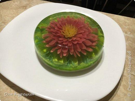 3Д цветы из сметанного желе в прозрачном желе-основе. Делается легко, получается очень красиво и вкусно))) Украсит любой стол.  фото 2