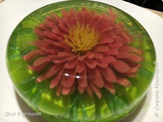 3Д цветы из сметанного желе в прозрачном желе-основе. Делается легко, получается очень красиво и вкусно))) Украсит любой стол.  фото 1