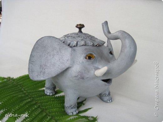 Улыбка красит лицо человека, но и... слона. Принимайте мою новую работу - слон-конфетница. Или слон-копилка. фото 2