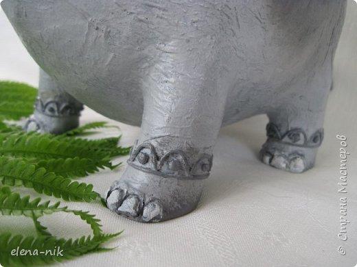 Улыбка красит лицо человека, но и... слона. Принимайте мою новую работу - слон-конфетница. Или слон-копилка. фото 6