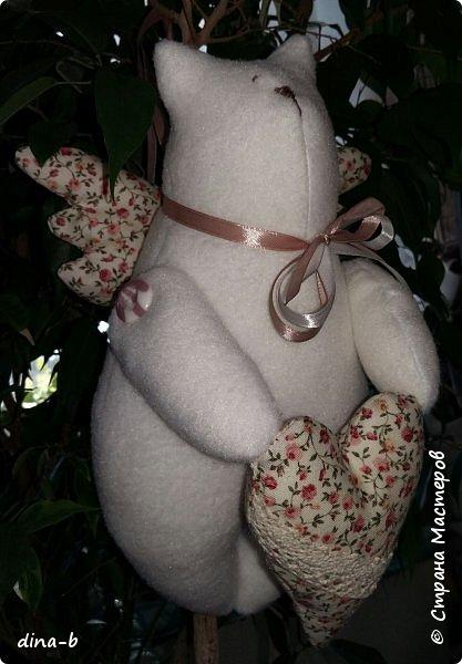 Вот такая пошилась кошечка!  В подарок новорождённой девочке )) Флис,хлопок,кружево,ленточки,пуговки!  фото 2