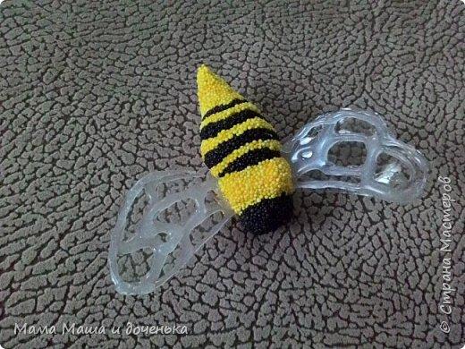 Доброго времени всем жителям. Мы с моей дочкой живем в славном городе Тамбове, и на гербе нашего городе изображен улей с пчелами.  Вот и попросила меня подруга сделать какую нибудь подделку в детский сад с символикой нашего города. фото 7