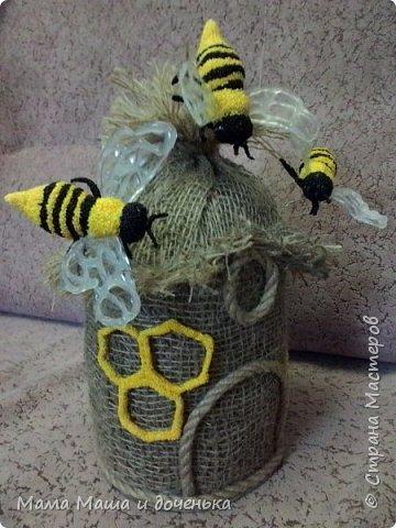 Доброго времени всем жителям. Мы с моей дочкой живем в славном городе Тамбове, и на гербе нашего городе изображен улей с пчелами.  Вот и попросила меня подруга сделать какую нибудь подделку в детский сад с символикой нашего города. фото 2