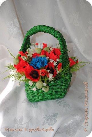 Здравствуйте друзья! Подруга увлеклась плетением из газетных трубочек и подарила мне вот эту корзинку. Сразу же возникло желание наполнить её полевыми цветами. ВОТ ЧТО ПОЛУЧИЛОСЬ. фото 3