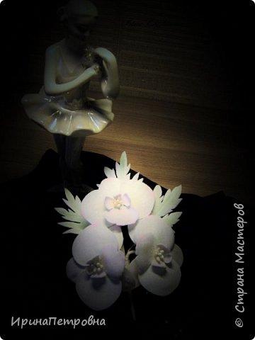 Брошь из фоамирана. Белая орхидея. фото 1
