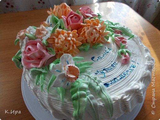 Всем -  здравствуйте!   Предлагаю, кому интересно, рецепт бисквитного торта, оформленного белковым кремом.  фото 1
