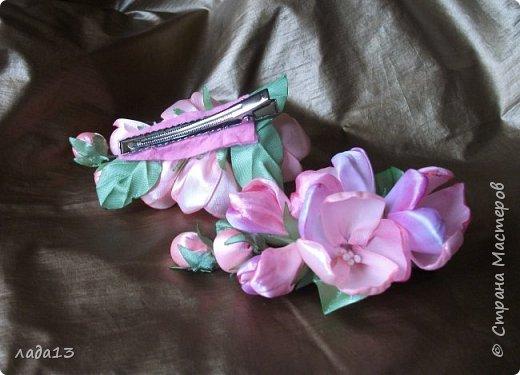 как говорят найдите отличие-розовая моя новая заколка.По моему похожа с настоящими цветами яблоньки. фото 5
