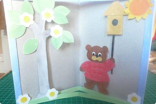"""Здравствуйте! Хочу показать книжку-туннель-раскладушку, которую делала в детский сад на """"Книжкину неделю"""". Книжка для совсем малышковской группы, поэтому тема выбрана самая популярная - времена года.   фото 3"""