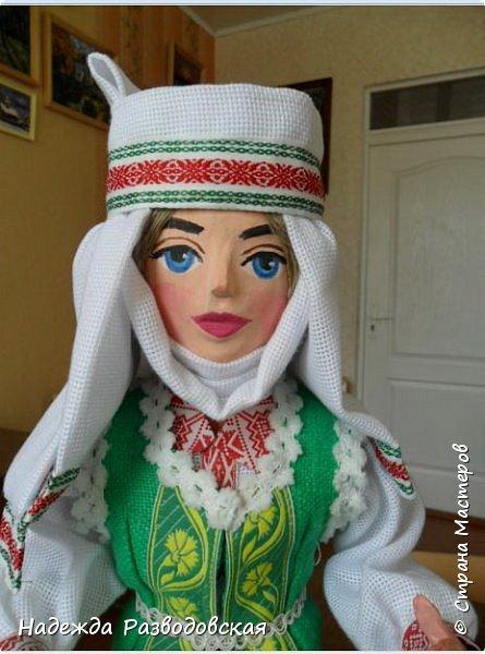 Сделала сувенирную куклу в белоруском костюме по просьбе знакомых. Летом приезжает в город высокопоставленное лицо, хотят презентовать эту куклу ему на память о посещении города... фото 4