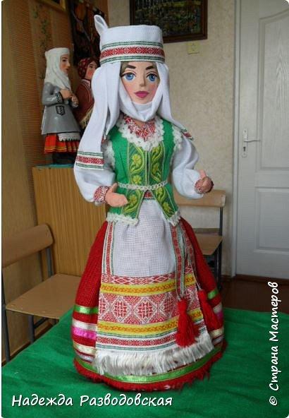 Сделала сувенирную куклу в белоруском костюме по просьбе знакомых. Летом приезжает в город высокопоставленное лицо, хотят презентовать эту куклу ему на память о посещении города... фото 6