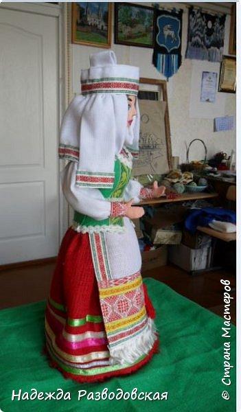 Сделала сувенирную куклу в белоруском костюме по просьбе знакомых. Летом приезжает в город высокопоставленное лицо, хотят презентовать эту куклу ему на память о посещении города... фото 7
