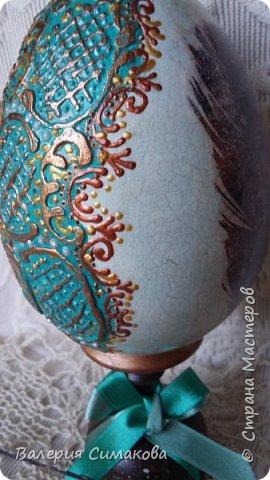 Большое яичко)))) перья с двух сторон разные.... фото 2