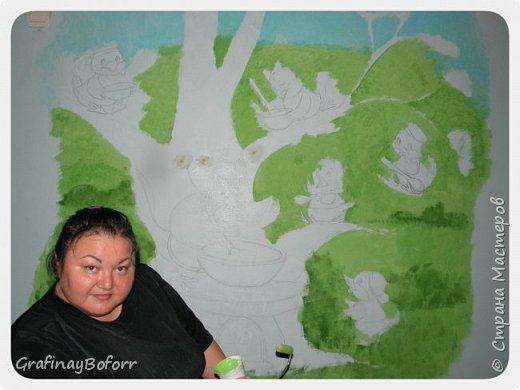 Доброй всем ночи! Снова попросили в группе, куда ходит мой сын расписать стену.....Картинку я нашла в инете, немного переделала и вот, что у меня получилось... Как всегда, оценить работу пришел самый главный критик... фото 2