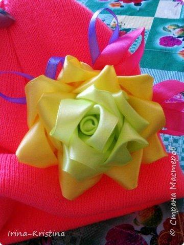 Вот такая простая шапочка преобразилась пышным цветком. фото 15