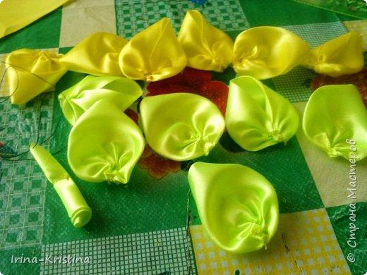 Вот такая простая шапочка преобразилась пышным цветком. фото 7