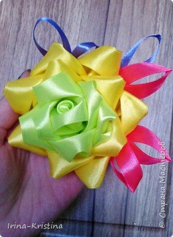 Вот такая простая шапочка преобразилась пышным цветком. фото 11