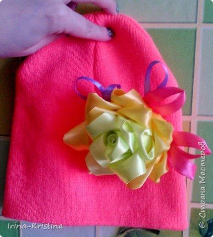 Вот такая простая шапочка преобразилась пышным цветком. фото 14