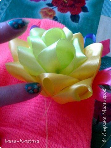 Вот такая простая шапочка преобразилась пышным цветком. фото 12