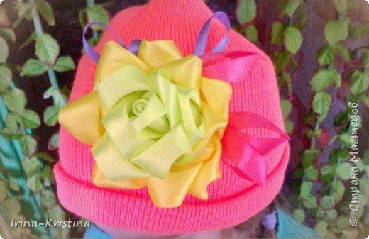 Вот такая простая шапочка преобразилась пышным цветком. фото 1