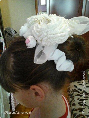 на 1 сентября -резинка для волос, декоративная. получилась тяжеловата, но целый день пробегали! фото 1