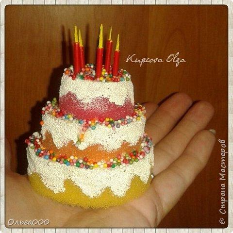 Нужен был тортик для макета кондитерской лавки. Вуаля :)) фото 2