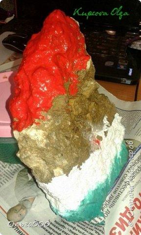 Дали нам задание ,раскрасить камень для украшения школьной клумбы. И вот гуляя с собачкой нам и попался подходящий кусок цемента. фото 3