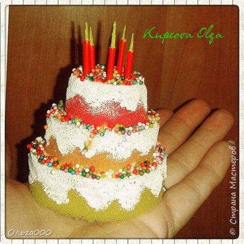 Нужен был тортик для макета кондитерской лавки. Вуаля :)) фото 1