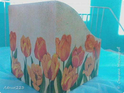 Всем доброго утра, дня, вечера!!! я сегодня с коробульками для специй. давно хотела себе такой, но все сама себя отговаривала... короб с травками - для себя, с тюльпанами - для мамы. фото 3
