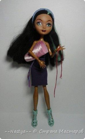 Привет!Это моя первая шарнирная куколка Алла.Ей 20 лет.Она нежная и дружелюбная.Для неё я сшила джинсовую юбку. фото 6