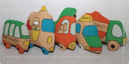 Когда делали первые игрушки пользовались картинками из интернета, а сейчас просто рисуем все, что хочется и рисуется) фото 6