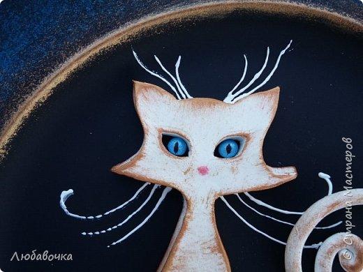 Первая тарелка моя любимая))  кошечка объемная из самоотвердевающей глины Фимо.  фото 3